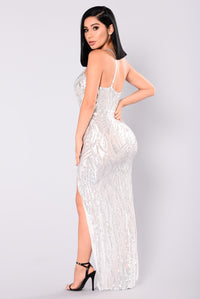 Living A Dream Sequin Dress - Silver/Nude