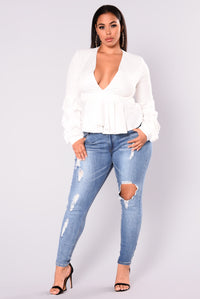 Beverly Skinny Jeans - Light Blue Angle 7