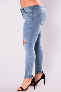 Beverly Skinny Jeans - Light Blue Angle 10