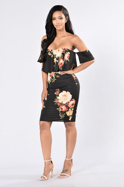 Smells Like Flowers Dress - Black