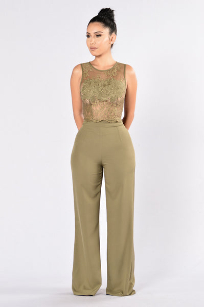 Grand Gesture Top - Olive