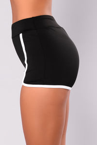 Always On The Move Shorts - Black