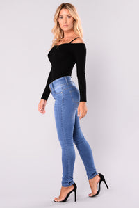 Keeping Secrets Booty Lifting Jeans - Medium Blue Wash