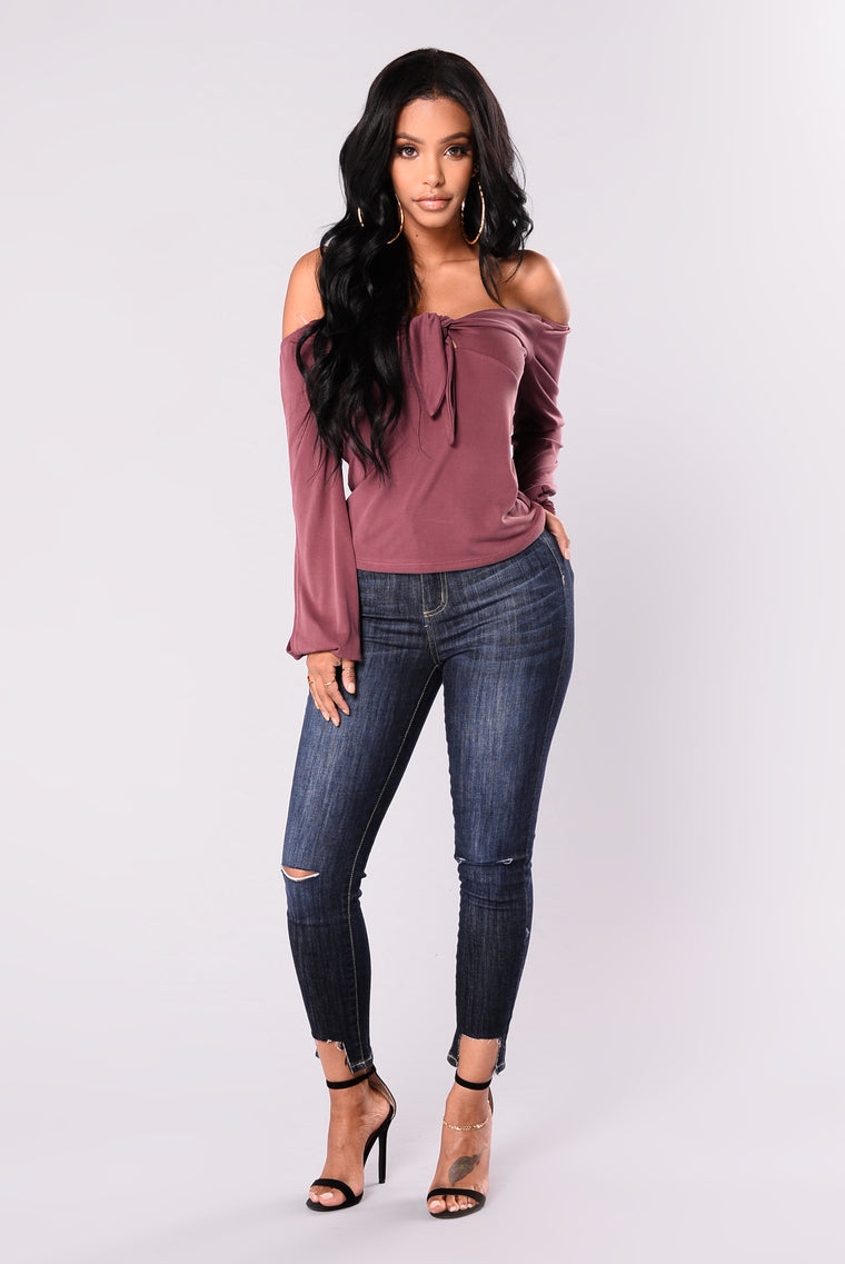Kimmy Off The Shoulder Top - Plum