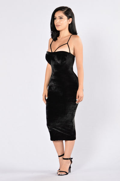 Rich Like Velvet Dress - Black