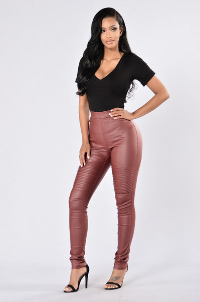 Slicker Than An Oil Spill Leggings - Burgundy