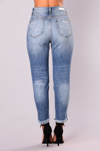 Toni Girlfriend Jeans - Medium