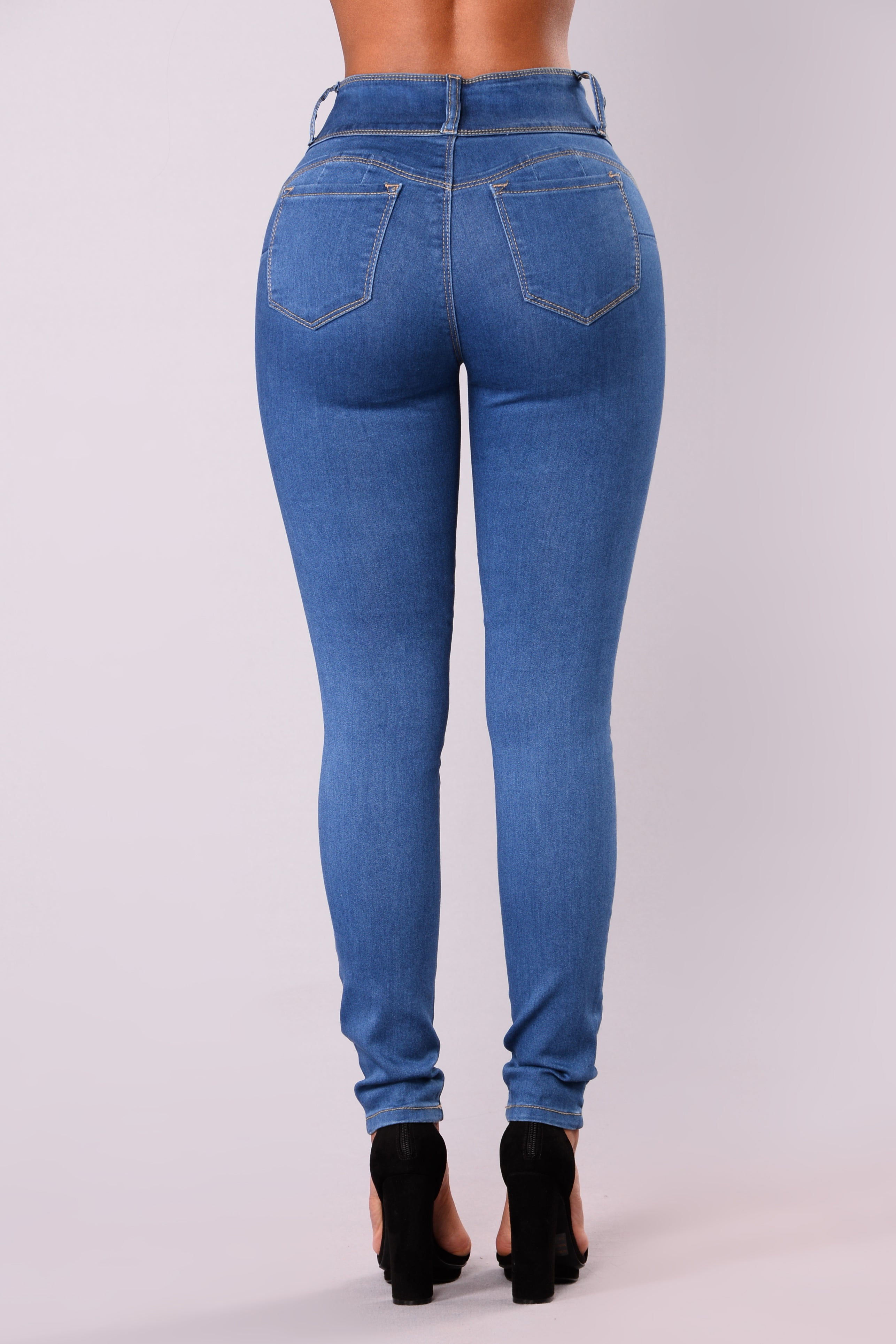 Round Of Applause Booty Shaped Jeans - Medium-6362