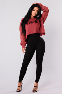 Vibes Cropped Crewneck Top - Brick
