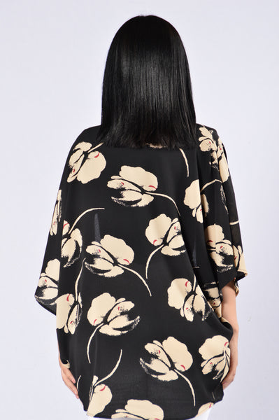 Blowing In The Wind Kimono - Black