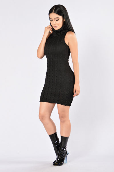 Winter Walk Dress - Black