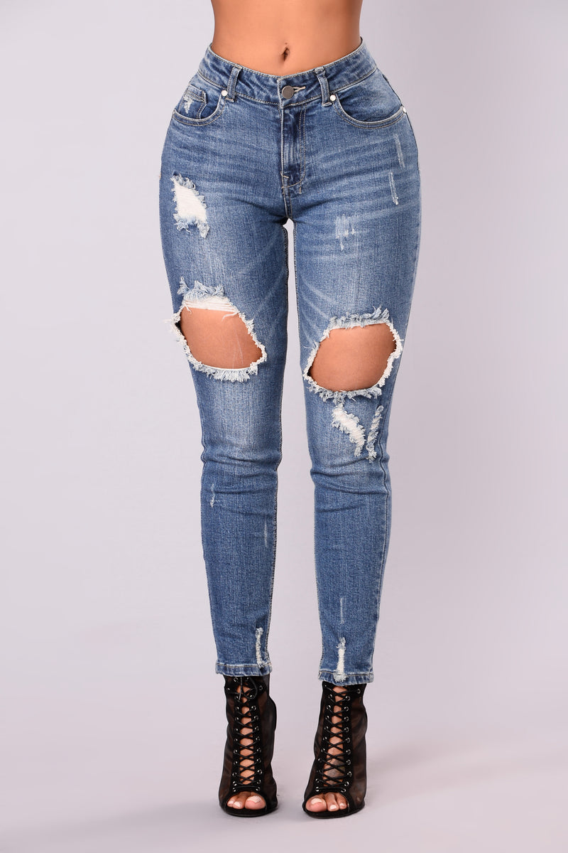 All Caught Up Ankle Jeans - Light Blue Wash