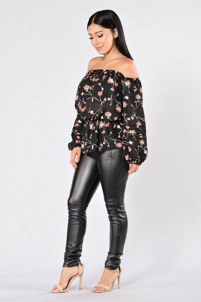 Day Date Top - Black