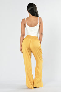 Holiday In The Sun Pants - Dijon Angle 5