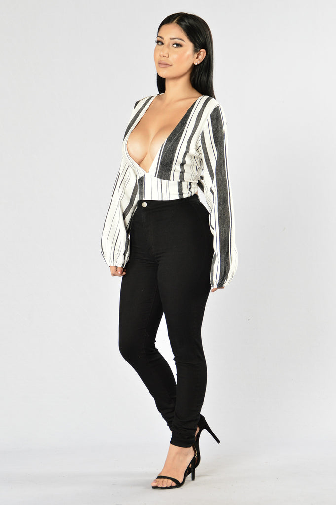 Protest Top - White/Black