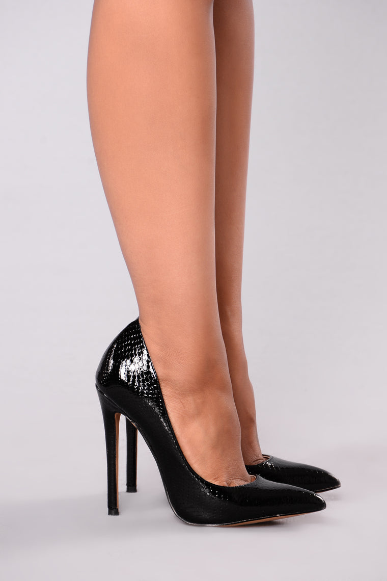 Patty Pointy Pump - Black