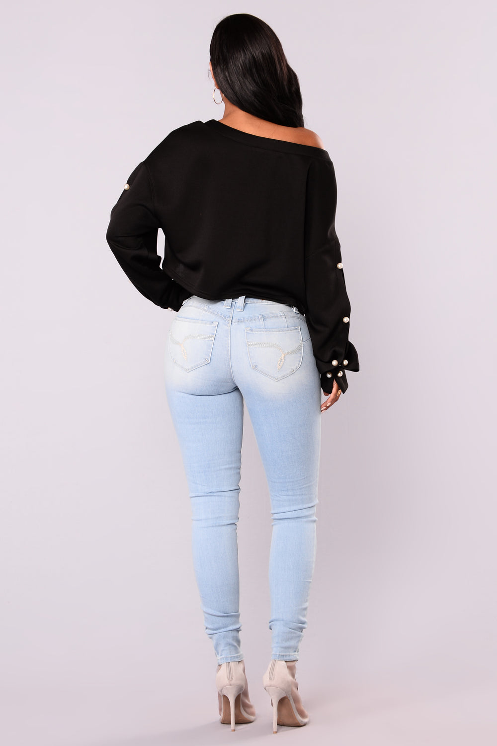 Round Of Applause Booty Lifting Jeans - Light Blue Wash