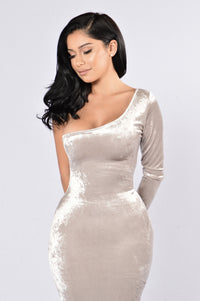 Untamed Dress - Champagne