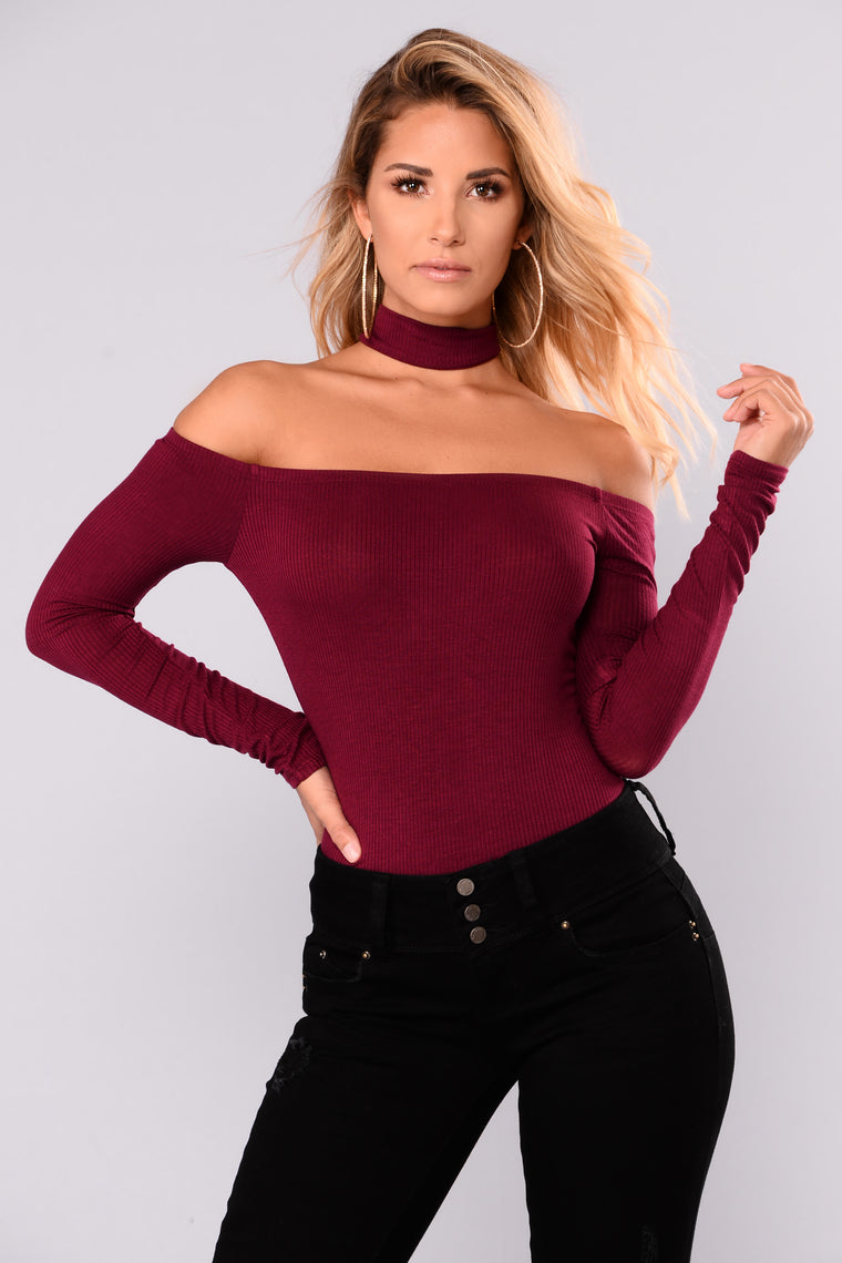 Delina Choker Top - Burgundy