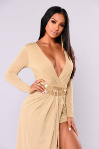 Nichole Belted Maxi Dress - Gold/Gold