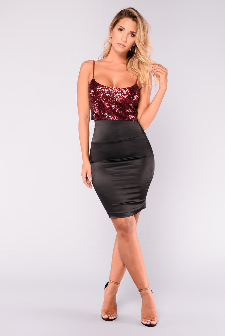 Tamika Sequin Top - Burgundy