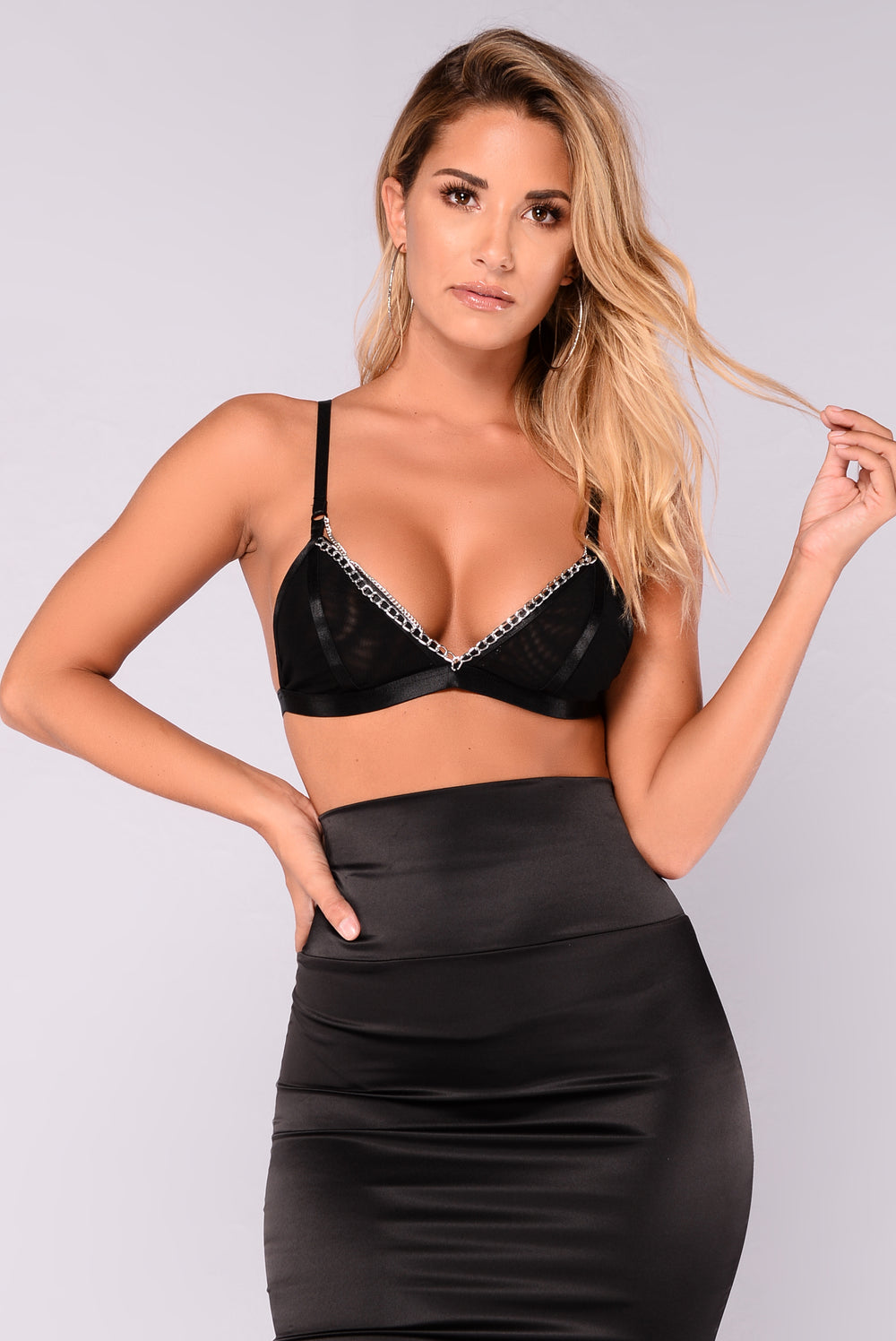 Too Chained Bralette - Black