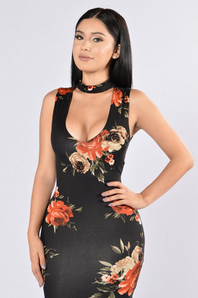 Cupid's Chokehold Dress - Black