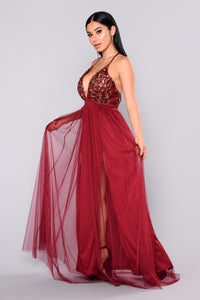 Twinkle In Your Eyes Maxi Dress - Burgundy