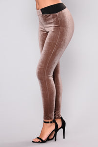 Valencia Velvet Leggings - Latte