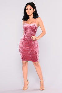 Naya Velvet Dress - Mauve