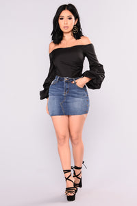 Matti Off Shoulder Top - Black