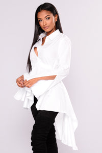 Briana Hilo Top - White Angle 6