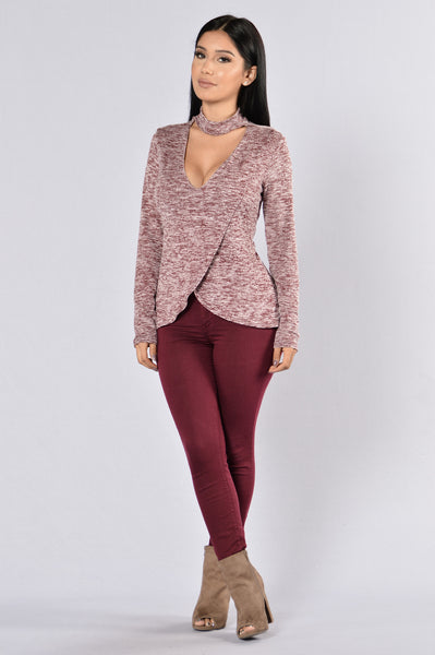 Keep Looking Top - Burgundy