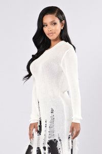 Still Hot Sweater - White