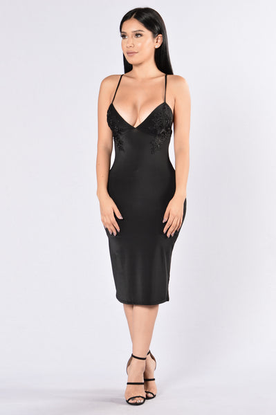 Romantic Getaway Dress - Black