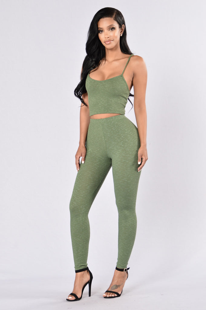 Kick Back Top - Olive