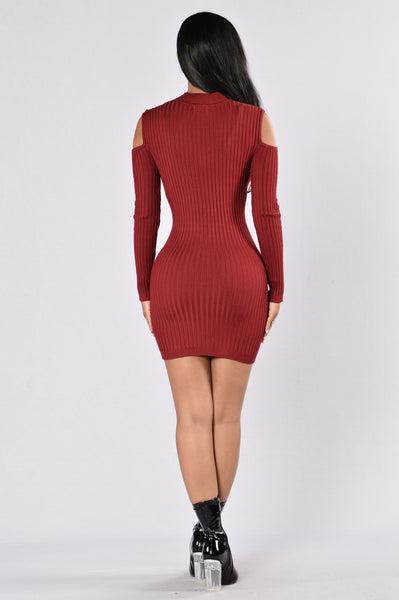 Cold Hearted Dress - Burgundy