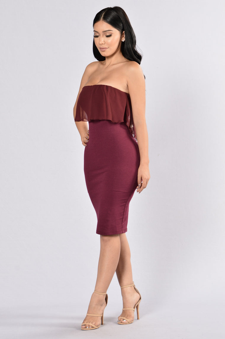 Lay With Me Dress - Burgundy