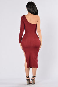 With The Flow Dress - Burgundy