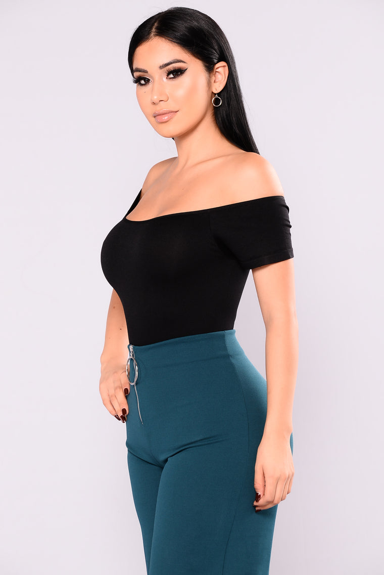 Sona Off The Shoulder Bodysuit - Black