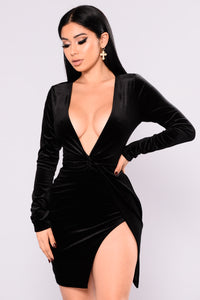Sugar Coat Velvet Dress - Black