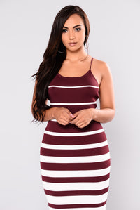 Albany Knit Dress - Burgundy/White Angle 4