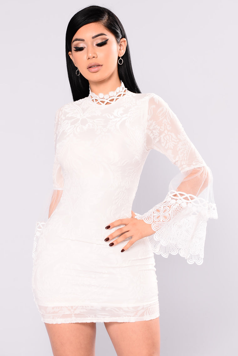Hidden Meadow Velvet Crochet Dress - Ivory