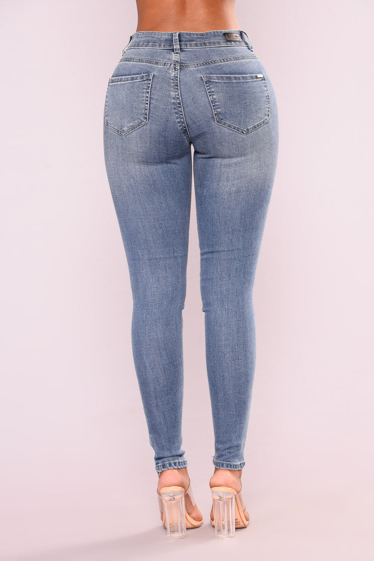 Haylea Skinny Jeans - Light Blue Wash