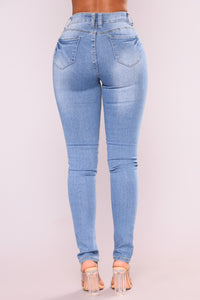 Twerk Team Booty Lifting Jeans - Light Blue Wash