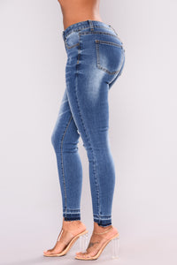 I'm A Fan Ankle Jeans - Medium Blue Wash