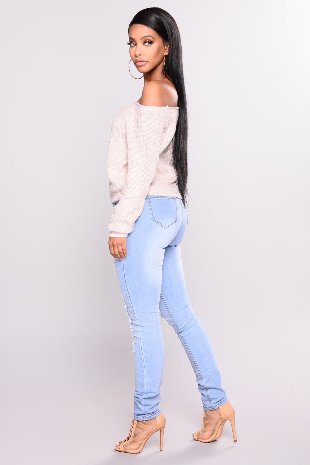 Soft Shades Distressed Jeans - Light Wash