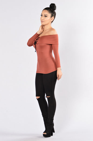Mend My Broken Heart Top - Marsala