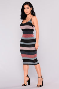 Lose Your Concentration Striped Dress - Burgundy