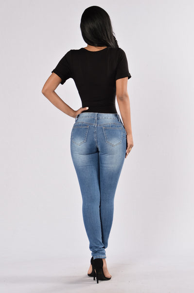 Booty Pop Jeans - Medium Wash